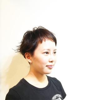 インナーカラー マッシュ ショート ピンク ヘアスタイルや髪型の写真・画像