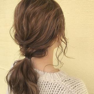 簡単ヘアアレンジ ナチュラル アンニュイほつれヘア ベージュ ヘアスタイルや髪型の写真・画像