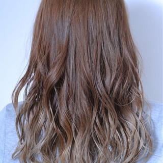 ロング 抜け感 グラデーションカラー 大人かわいい ヘアスタイルや髪型の写真・画像