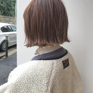 ロブ 切りっぱなし 外ハネ ハイライト ヘアスタイルや髪型の写真・画像