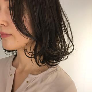 外ハネボブ 外ハネ ワンカールスタイリング ミディアム ヘアスタイルや髪型の写真・画像