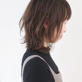 ミディアムレイヤー ウルフカット パーマ ボブ ヘアスタイルや髪型の写真・画像