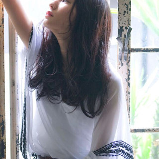 フェミニン ナチュラル ゆるふわ 暗髪 ヘアスタイルや髪型の写真・画像
