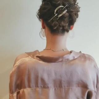 ヘアアレンジ フェミニン 結婚式ヘアアレンジ 簡単ヘアアレンジ ヘアスタイルや髪型の写真・画像