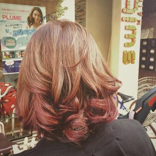 ミディアム グラデーションカラー ガーリー アッシュ ヘアスタイルや髪型の写真・画像