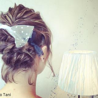 ショート ハイライト ヘアアレンジ 波ウェーブ ヘアスタイルや髪型の写真・画像 ヘアスタイルや髪型の写真・画像