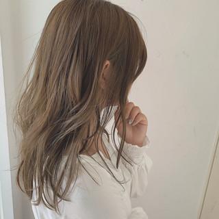 アディクシーカラー ブラウンベージュ デート 圧倒的透明感 ヘアスタイルや髪型の写真・画像