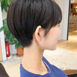 かっこいい ナチュラル 黒髪 ダークアッシュ ヘアスタイルや髪型の写真・画像