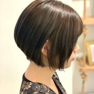 グレージュ ハイライト ショート ショートボブ ヘアスタイルや髪型の写真・画像