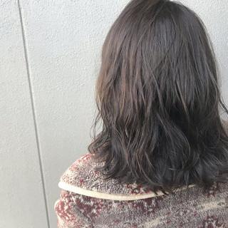 パーマ ナチュラル アウトドア アンニュイほつれヘア ヘアスタイルや髪型の写真・画像