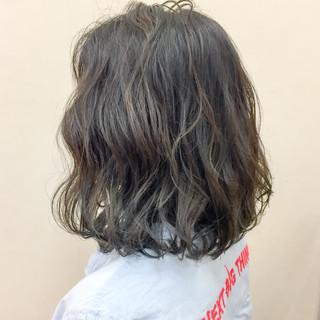 秋 透明感 ウェーブ 色気 ヘアスタイルや髪型の写真・画像