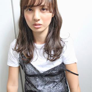 アンニュイ 前髪あり フェミニン 透明感 ヘアスタイルや髪型の写真・画像