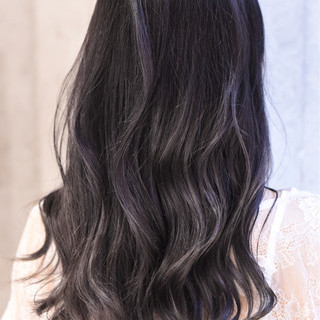 ガーリー ロング ダブルカラー バレイヤージュ ヘアスタイルや髪型の写真・画像