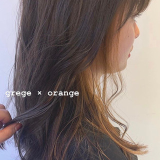 ガーリー セミロング インナーカラー オレンジベージュ ヘアスタイルや髪型の写真・画像