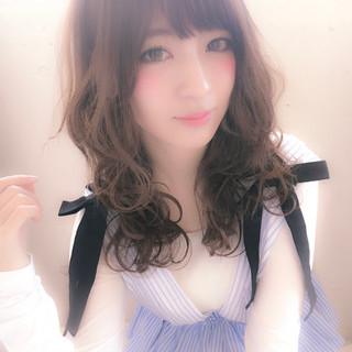 デート ミルクティー フリンジバング 前髪あり ヘアスタイルや髪型の写真・画像