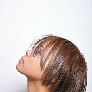 外国人風 アッシュ モード ハイライト ヘアスタイルや髪型の写真・画像