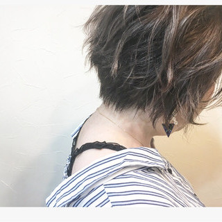 大人かわいい コンサバ ショート グレージュ ヘアスタイルや髪型の写真・画像