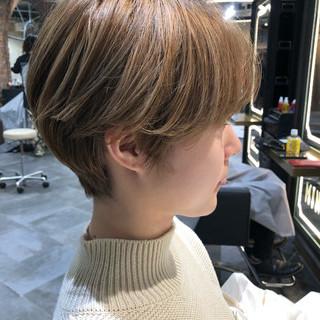 ヘアカラー ショート ベリーショート ナチュラル ヘアスタイルや髪型の写真・画像