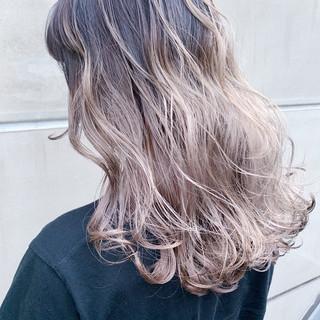 ストリート ブリーチカラー 成人式 バレイヤージュ ヘアスタイルや髪型の写真・画像