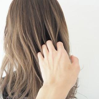 ミディアム 透明感カラー 外国人風カラー グラデーションカラー ヘアスタイルや髪型の写真・画像