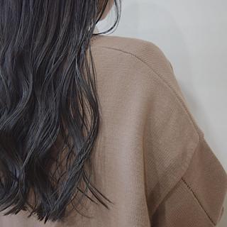 ダークアッシュ ロング ナチュラル ダークグレー ヘアスタイルや髪型の写真・画像