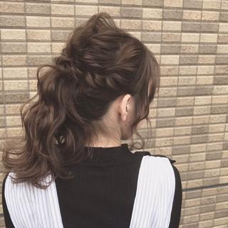 ミルクティー ポニーテール ナチュラル セミロング ヘアスタイルや髪型の写真・画像