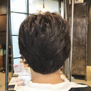 大人ショート 透明感カラー ナチュラル インナーカラー ヘアスタイルや髪型の写真・画像