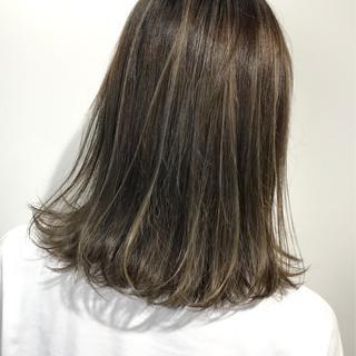 ミルクティーベージュ ベージュ ミニボブ ボブ ヘアスタイルや髪型の写真・画像