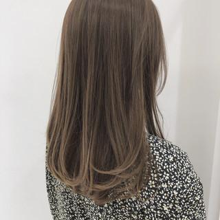 大人かわいい フェミニン 透明感 オフィス ヘアスタイルや髪型の写真・画像