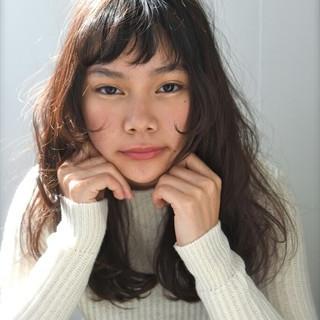ゆるふわ 外国人風 冬 セミロング ヘアスタイルや髪型の写真・画像