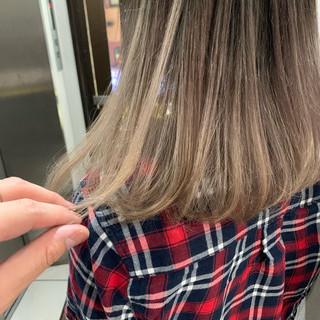 ナチュラル ミルクティーグレージュ 簡単ヘアアレンジ 透明感カラー ヘアスタイルや髪型の写真・画像