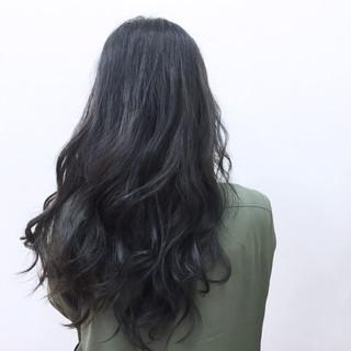 ロング ブルーブラック フェミニン モード ヘアスタイルや髪型の写真・画像