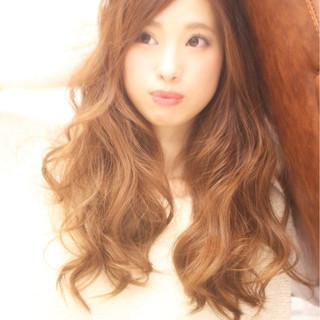 セミロング 小顔 チョコレート くせ毛風 ヘアスタイルや髪型の写真・画像