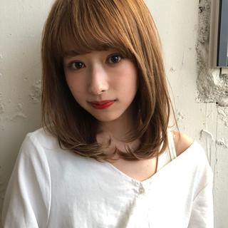 斜め前髪 ミディアム ふんわり前髪 フェミニン ヘアスタイルや髪型の写真・画像