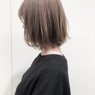 ミルクティーベージュ ブリーチ ナチュラル ブリーチカラー ヘアスタイルや髪型の写真・画像