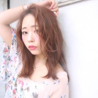 デート 夏 セミロング リラックス ヘアスタイルや髪型の写真・画像
