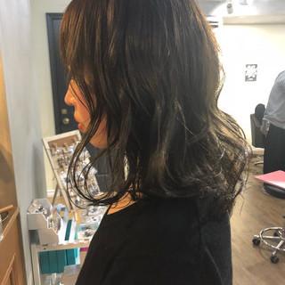 ストリート 外国人風 ミディアム ハイライト ヘアスタイルや髪型の写真・画像