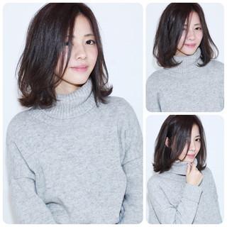 ミディアム コンサバ 暗髪 フェミニン ヘアスタイルや髪型の写真・画像
