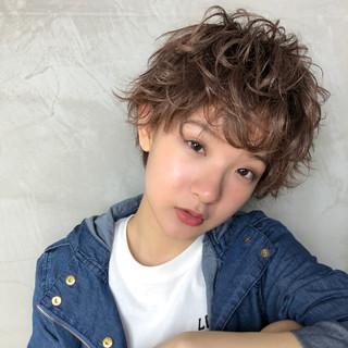 パーマ ヘアアレンジ ガーリー アンニュイ ヘアスタイルや髪型の写真・画像