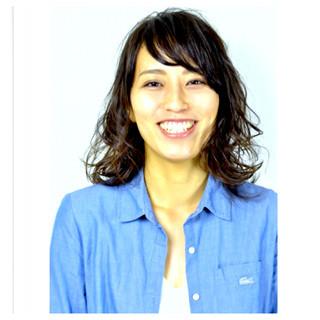 ウェーブ ミディアム 大人かわいい アンニュイ ヘアスタイルや髪型の写真・画像