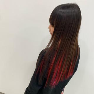 インナーカラー フェミニン ストレート ロング ヘアスタイルや髪型の写真・画像