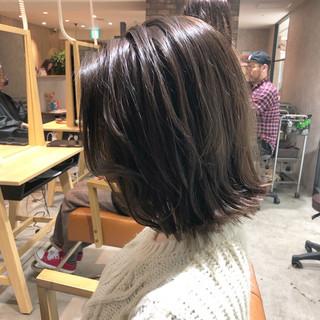透明感カラー グラデーションカラー 切りっぱなしボブ ナチュラル ヘアスタイルや髪型の写真・画像