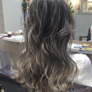外国人風 ハイライト アッシュ ロング ヘアスタイルや髪型の写真・画像