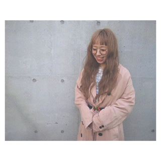 金髪 外国人風 ミルクティーベージュ パーマ ヘアスタイルや髪型の写真・画像