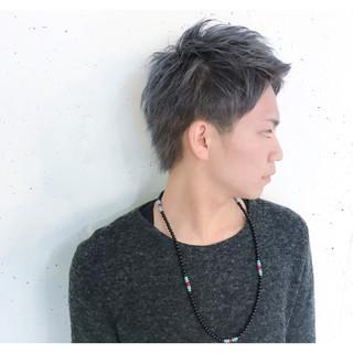 デート パーマ インナーカラー ショート ヘアスタイルや髪型の写真・画像