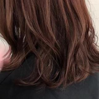 大人カジュアル ナチュラル パーマ ミディアム ヘアスタイルや髪型の写真・画像