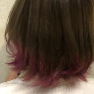 インナーカラー グラデーションカラー ピンクパープル 切りっぱなしボブ ヘアスタイルや髪型の写真・画像
