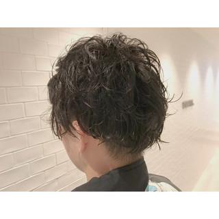 メンズカット ショート モード メンズパーマ ヘアスタイルや髪型の写真・画像