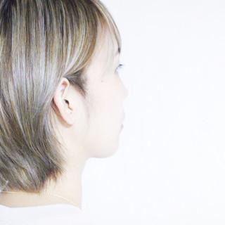 大人ハイライト ボブ ラベンダーグレージュ シルバーアッシュ ヘアスタイルや髪型の写真・画像
