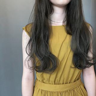 スモーキーカラー 暗髪 ナチュラル ロング ヘアスタイルや髪型の写真・画像